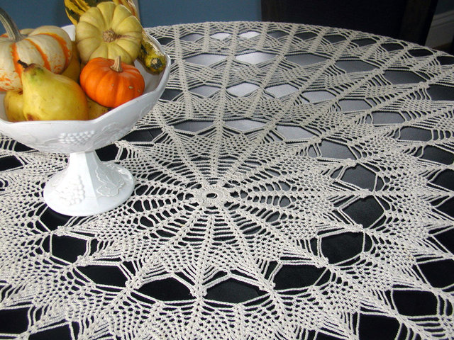 crochetd tablecloth